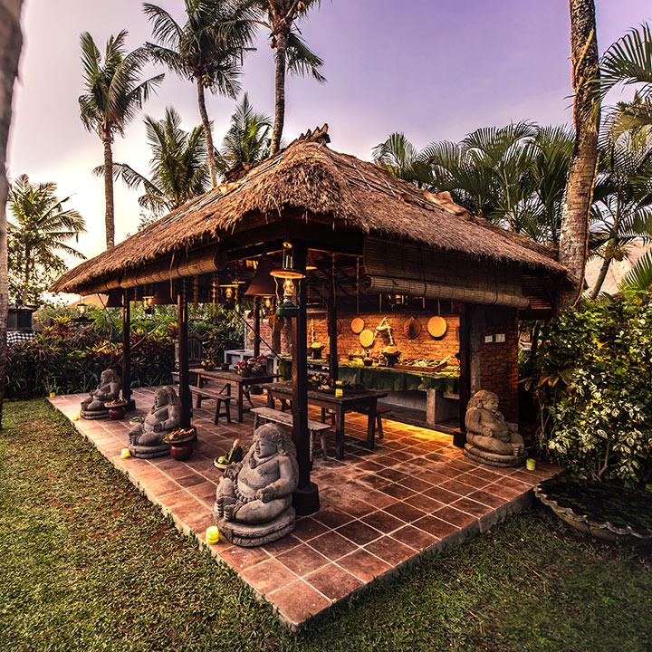 Warong Tugu at Hotel Tugu Bali