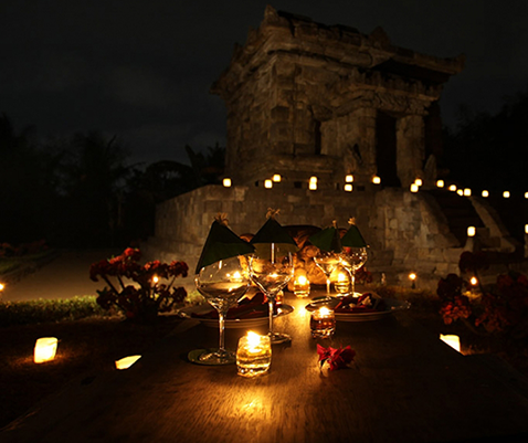 Romantic Dinner at Candi Penataran with Hotel Tugu Blitar