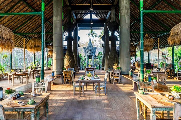 Bale Kokok Pletok Restaurant at Hotel Tugu Lombok