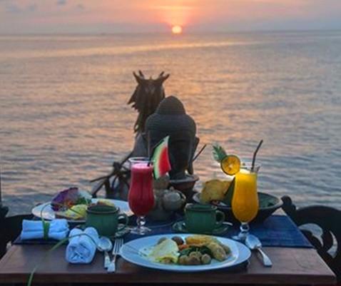Sunrise Breakfast on the Boat at Hotel Tugu Lombok