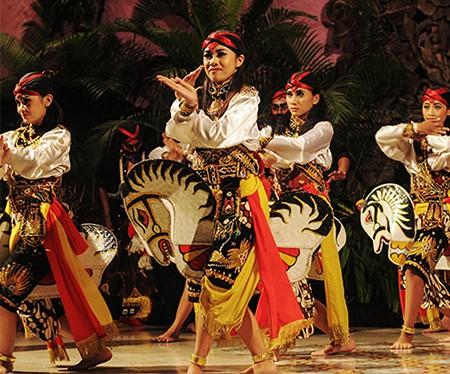 Traditional Dance at Hotel Tugu Malang